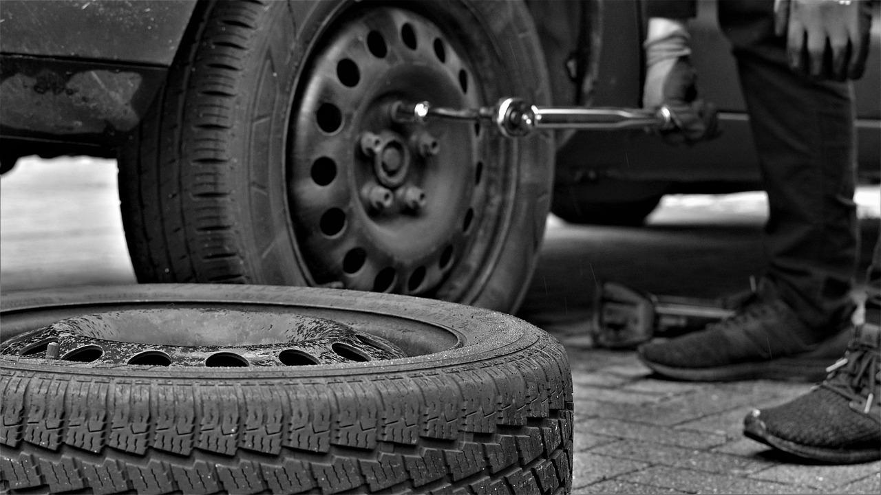 Efterdra hjulbultar